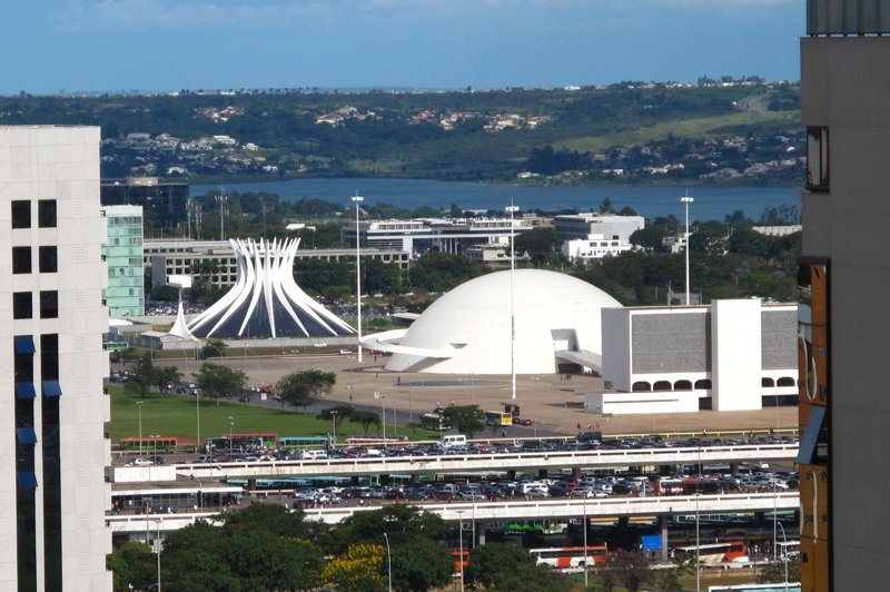 Brasilia - Catherdral, Museum and National Library. (Foto: CC/Flickr.com | BookBotherer)