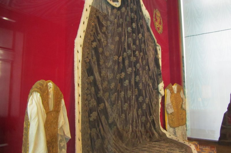 Coronation Robe of French Monarch. (Foto: CC/Flickr.com | Andrew and Annemarie)