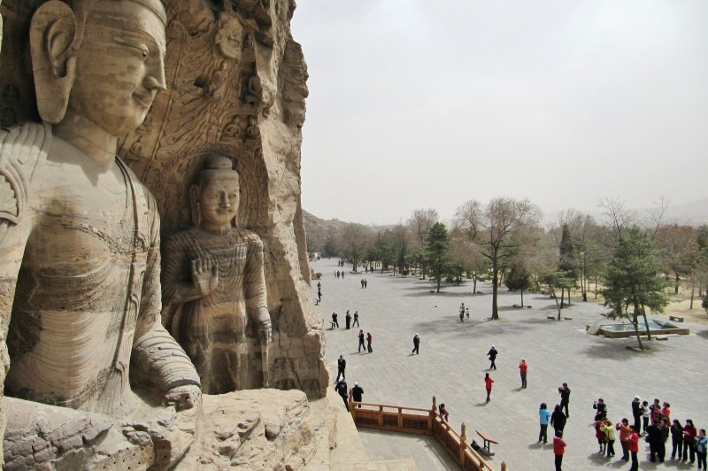 Crowds view the Yungang Grottoes. (Foto: CC/Flickr.com | John Roberts)