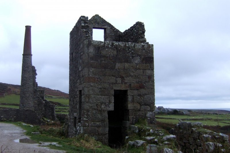 Old mine buildings at Carn Galver. (Foto: CC/Flickr.com | Beth)