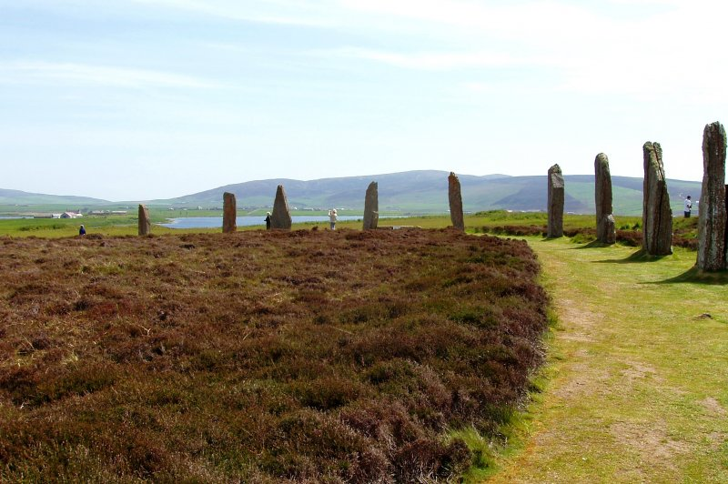ring of brodgar to stenness. (Foto: CC/Flickr.com | damian entwistle)
