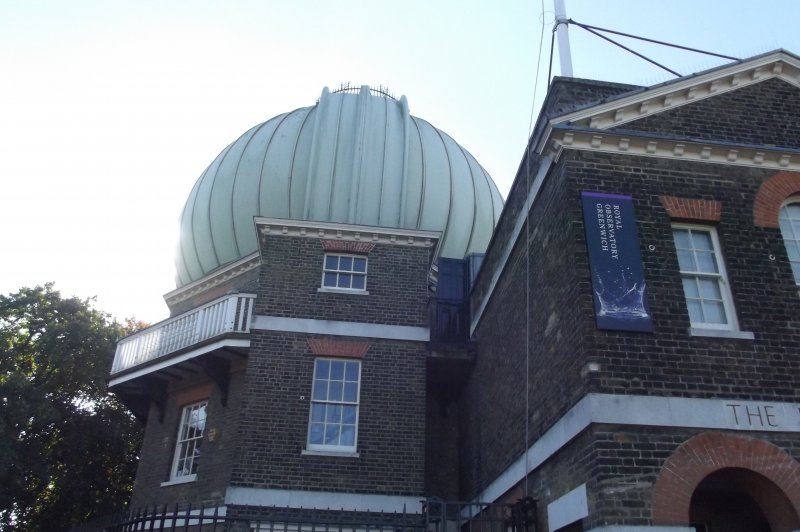 Royal Observatory Greenwich - 28-Inch Telescope Dome and Meridian Building. (Foto: CC/Flickr.com | Elliott Brown)