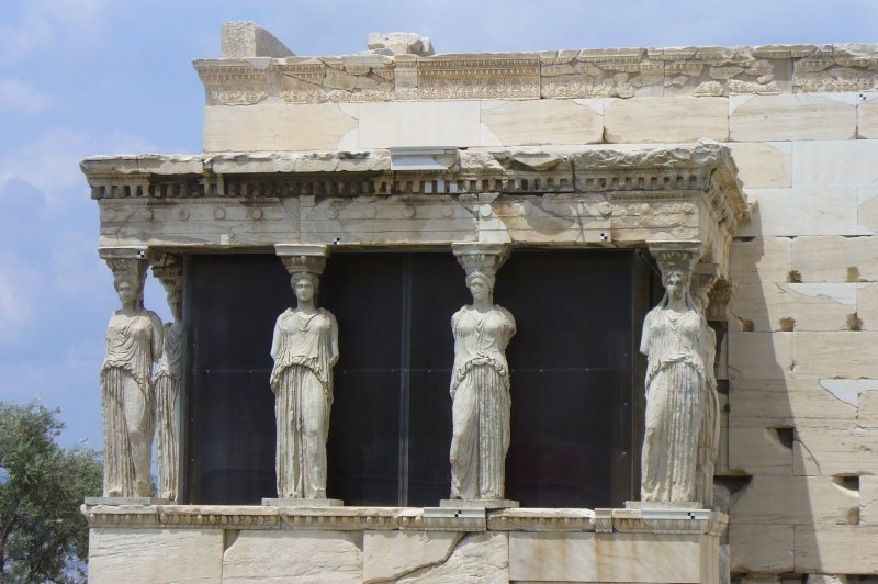 Statues on Erechtheion. (Foto: CC/Flickr.com | BrotherMagneto)