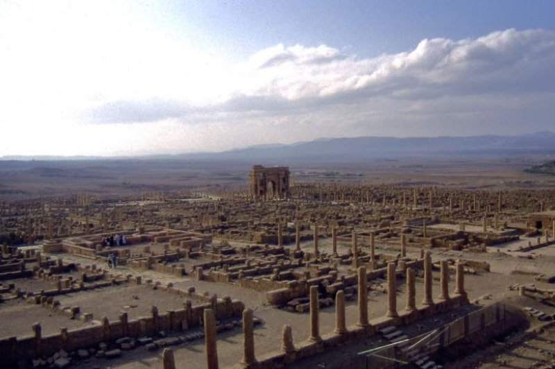 Timgad, l'ensemble du site. (Foto: CC/Flickr.com | Yves  Jalabert)